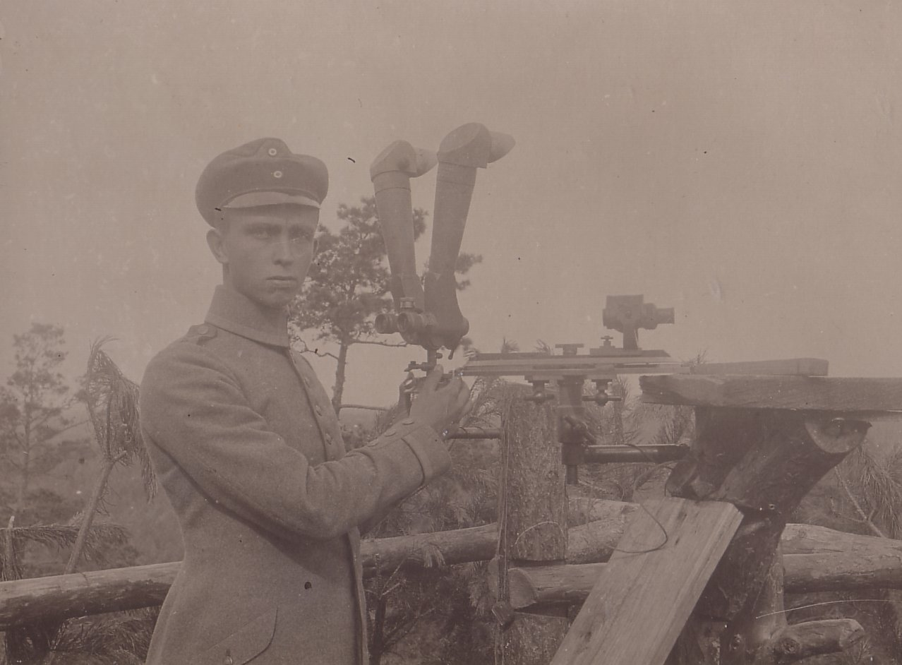 Forward Observer with Foot Artillery Scope and 5800 Aiming Circle
