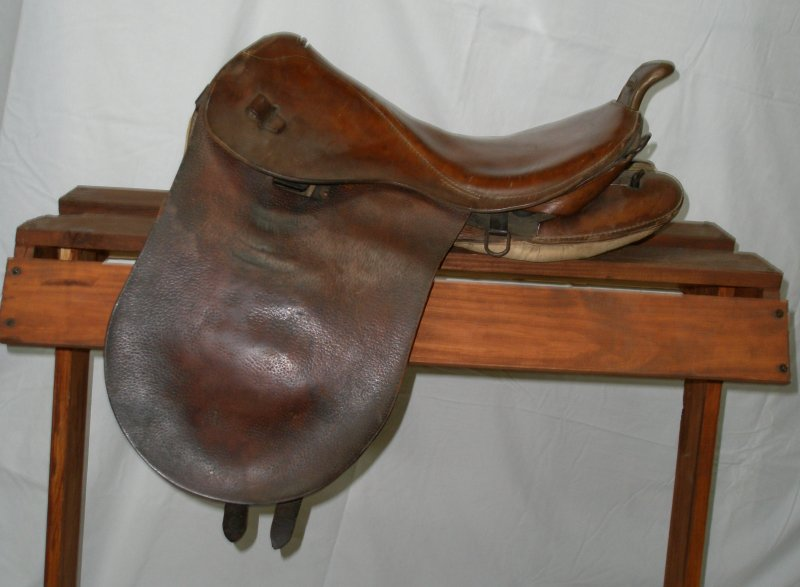 Japanese Saddle, WW2 Era Vet-Bring-Back