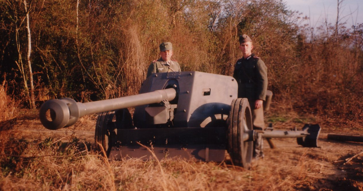 Leon and Ralph with the PAK 40